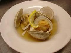 ushio-jiru (a clear clam soup)