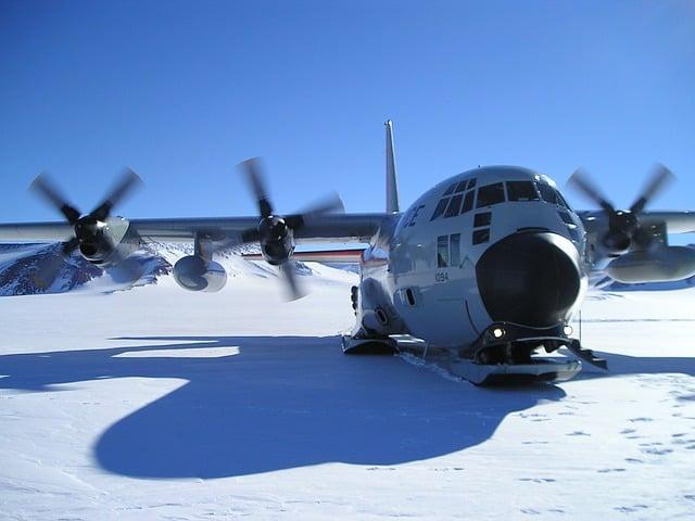 plane @McMurdo Station