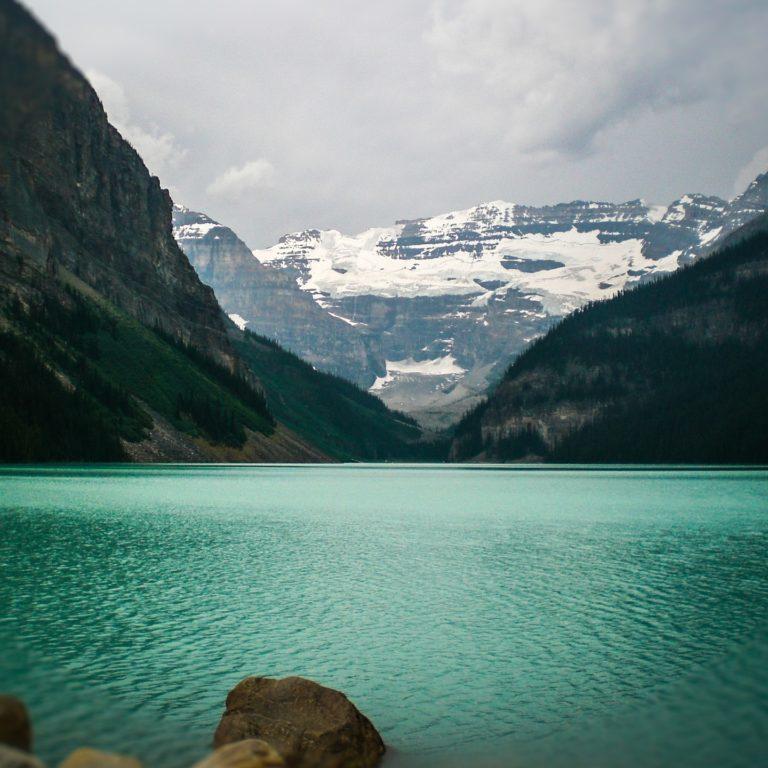 lake-louise-2078089_1920