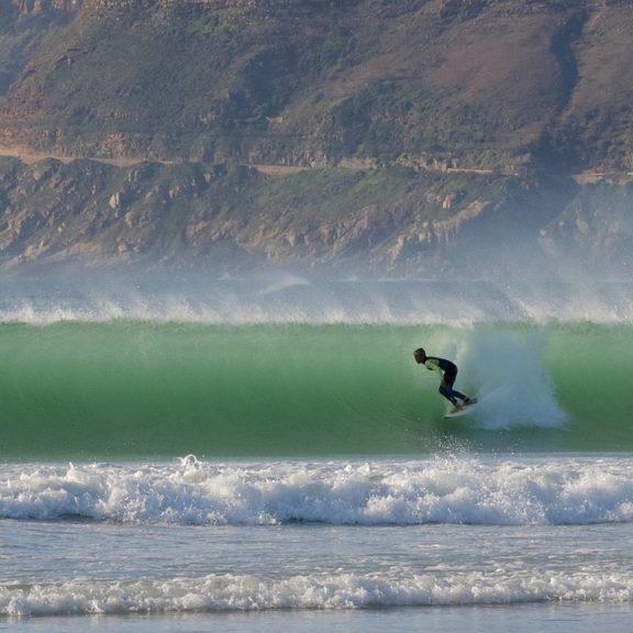surfer-966312_1280
